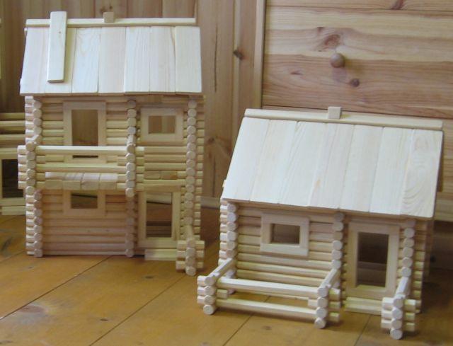 Игрушечные дома из дерева
