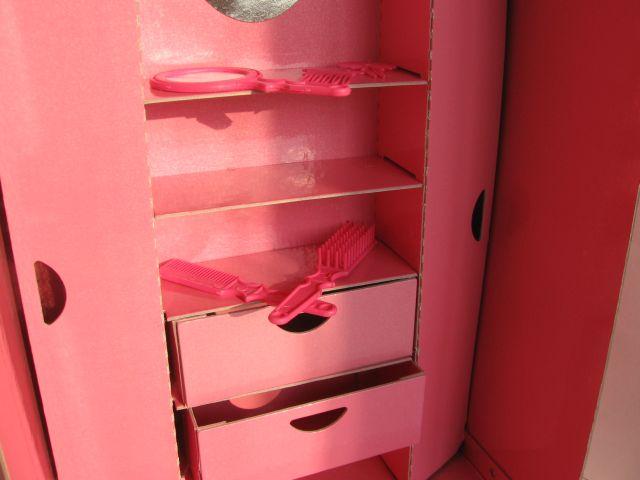 Шкаф для кукол из коробки своими руками